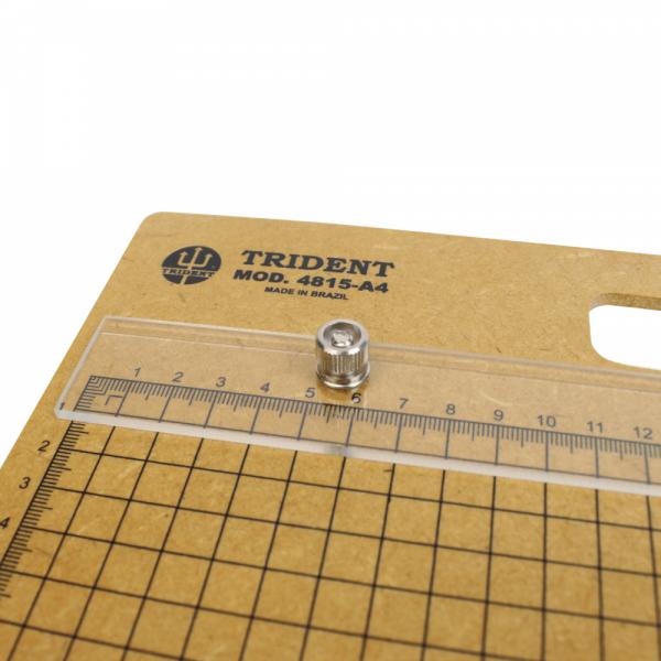 Prancheta Portátil Quadriculada A4 - Trident